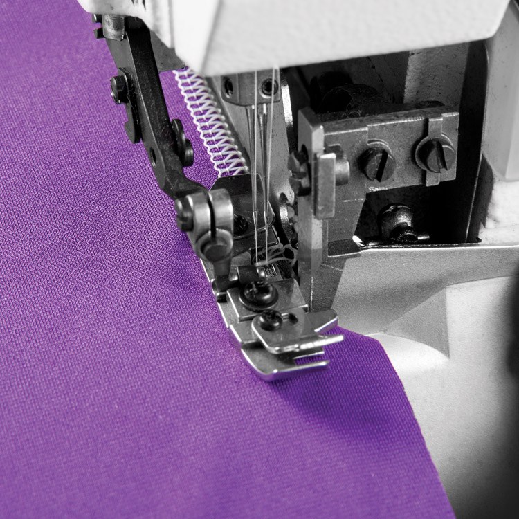 4-thread, mechatronic overlock machine with needles positioning - complete sewing machine - 2 years warranty
